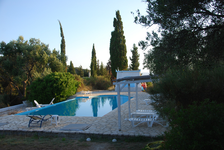 Tantra Urlaub in der Corfu Buddha Hall am Pool